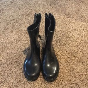 Zip up Aldo rain boots